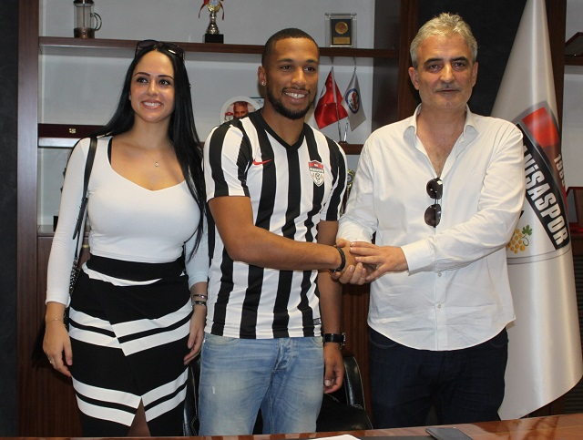 Harry Novillo Manisaspor'da