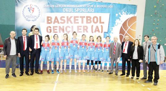 Basketbolda madalya sevinci